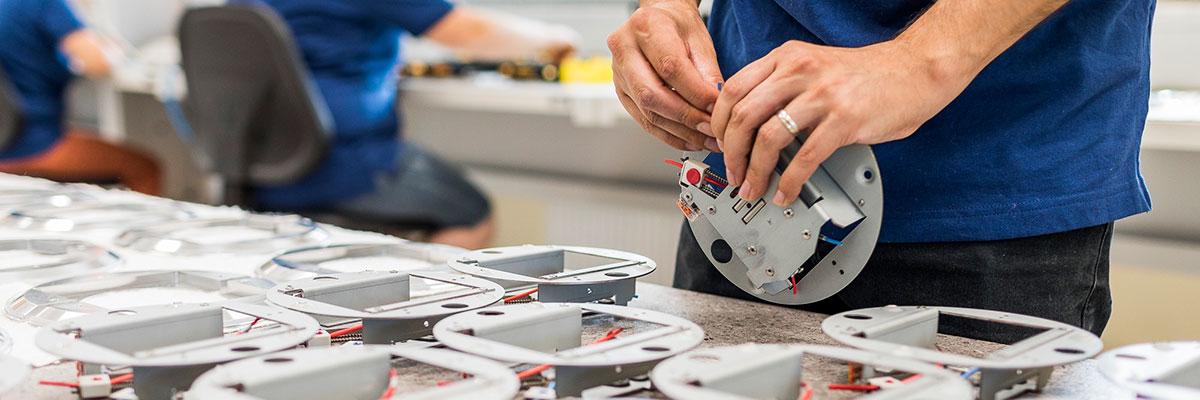 Mechatronics_manufacturing